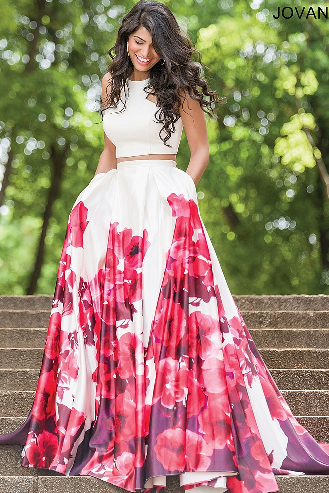Top 5 Printed Dresses to Wear to Prom 2017