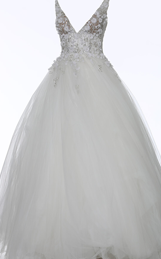 Ivory floral bodice ballgown 3110